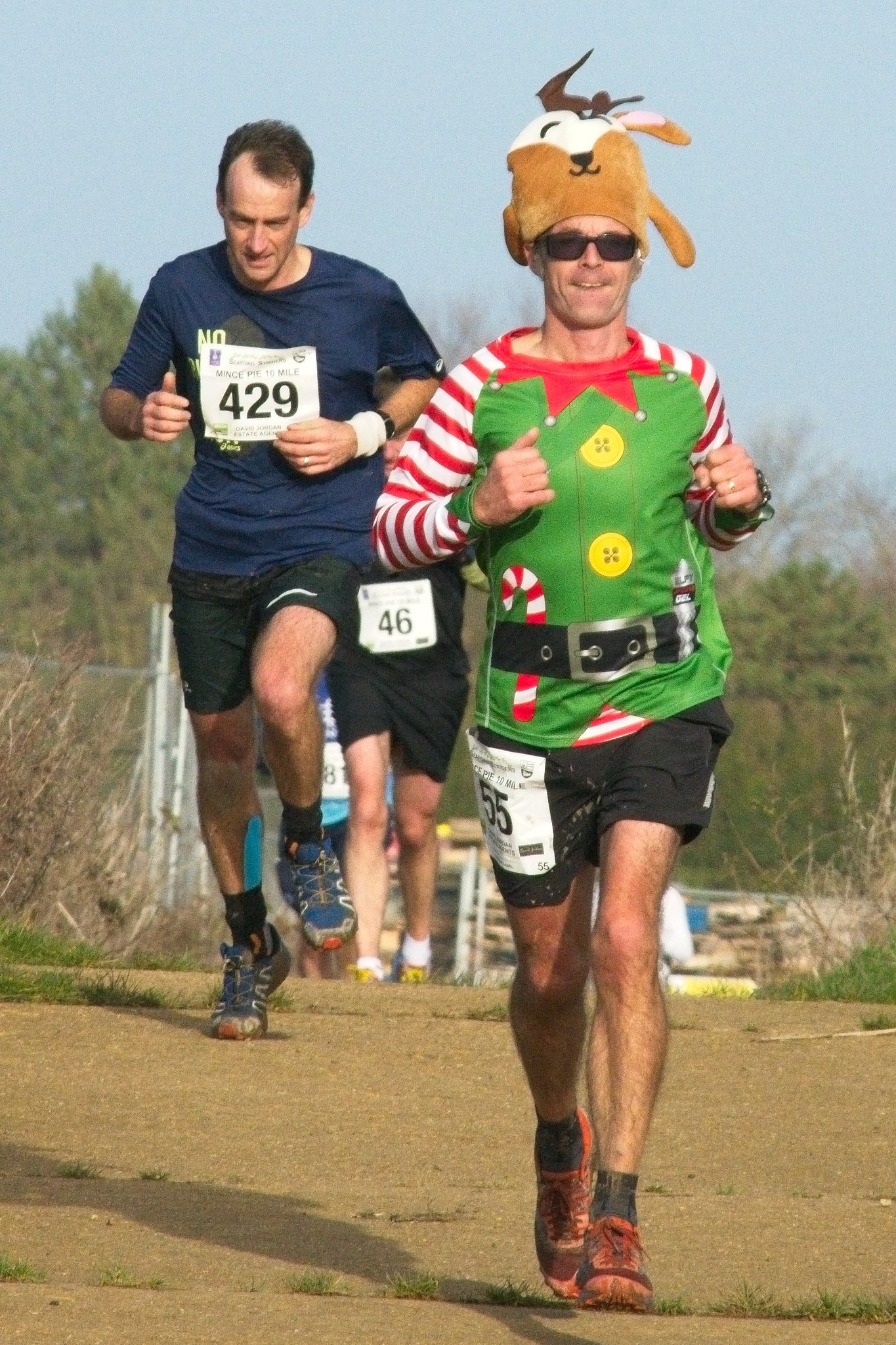 Mince Pie 10 mile Run runners dressed in xmas outfits